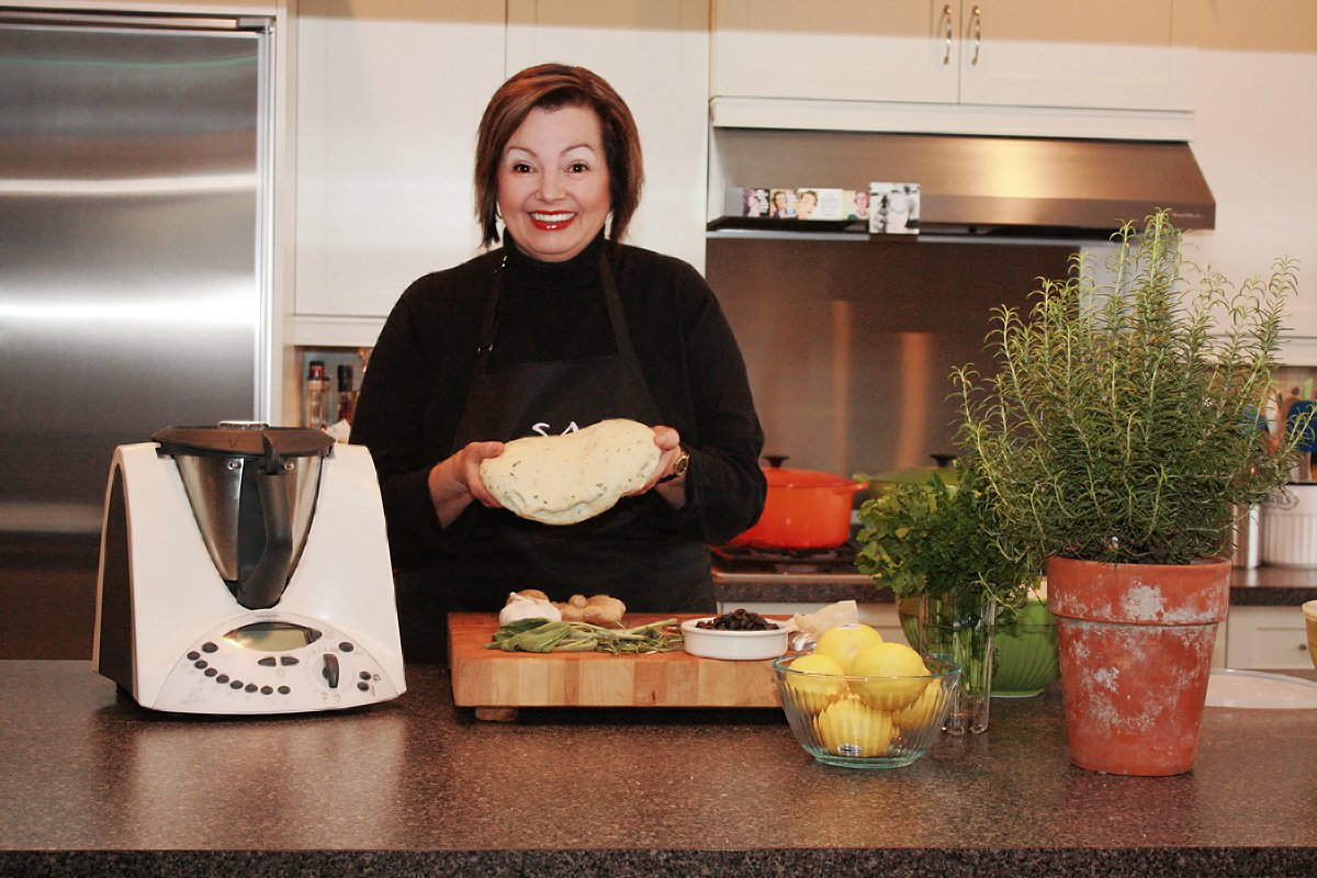 Valerie and Thermomix with dough funny 2