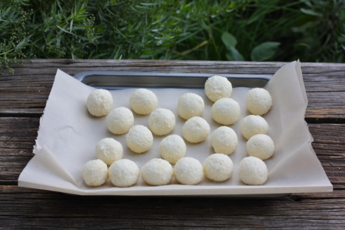 Chèvre Truffles with Wild Flower Honey - A Canadian Foodie