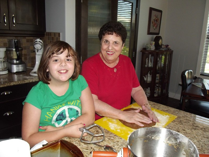 Deb makingmolassescookies-800px