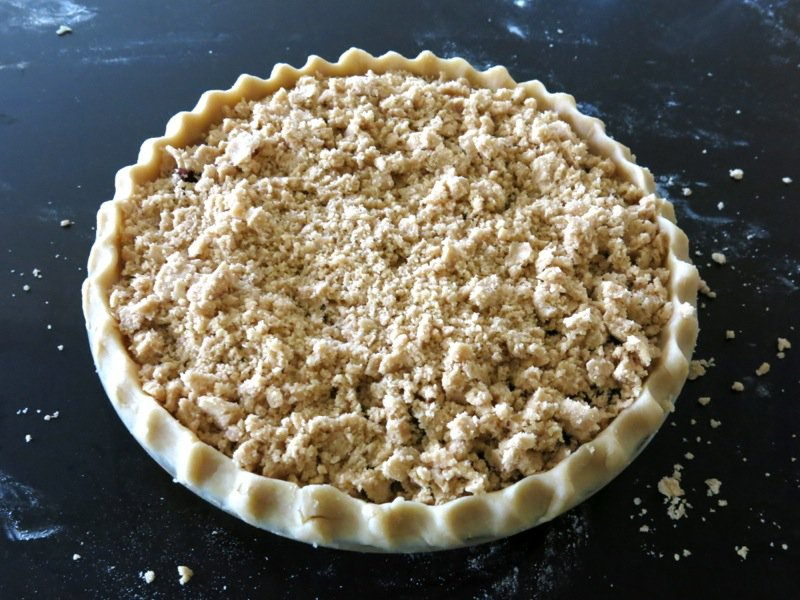 Concord Grape Pie with Crumble Topping unbaked
