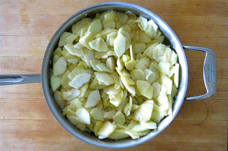 19 Sliced Apples