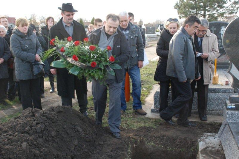 19 Pavas Funeral Graveyard Vanja