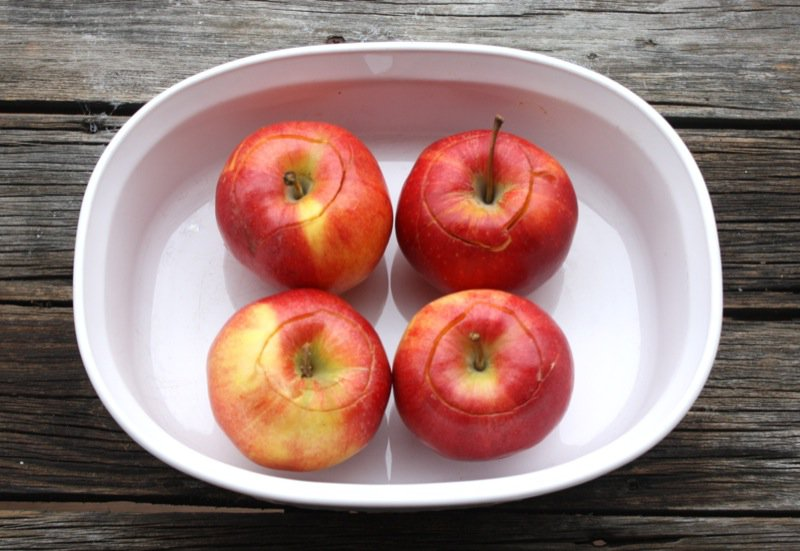 2 apples in casserole dish