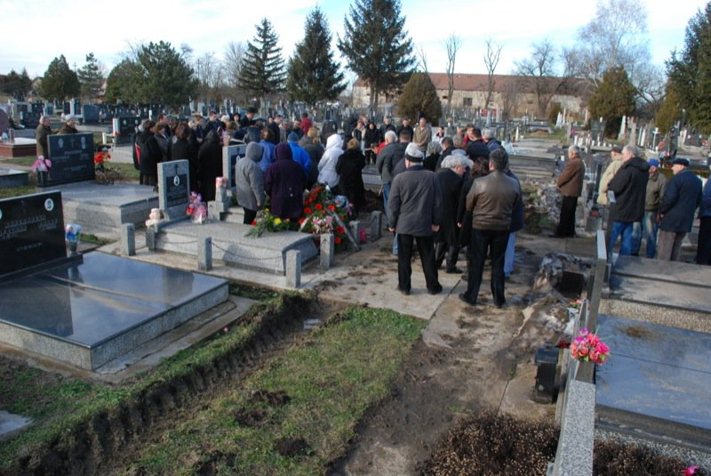 22 Pavas Funeral Graveyard
