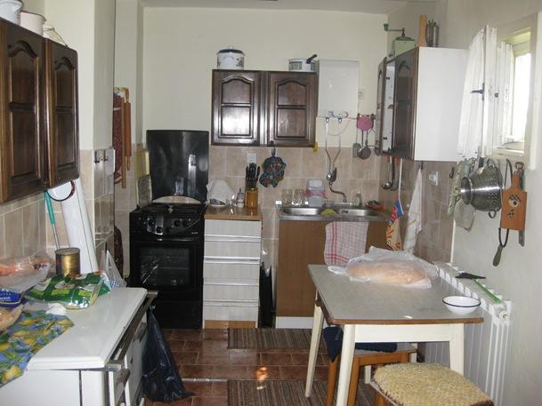 3 Pavas Kitchen