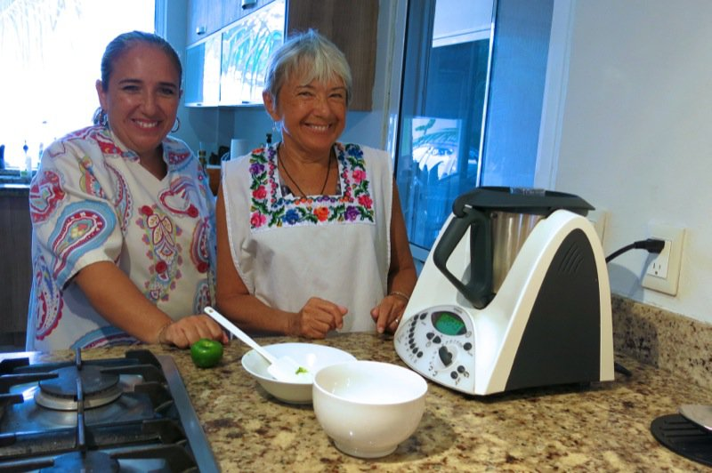 19 Chef Claudia and Dorothy with the Thermomix