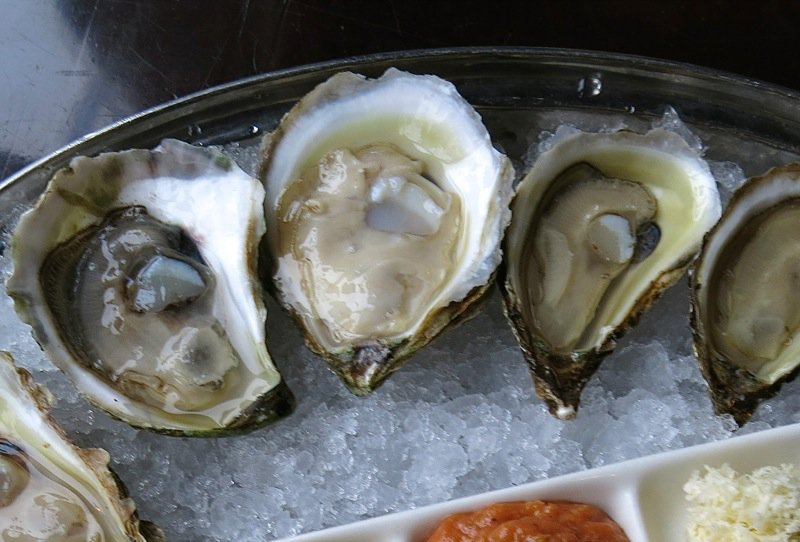 12 Sims Oyster Bar PEI Malpeque Oysters