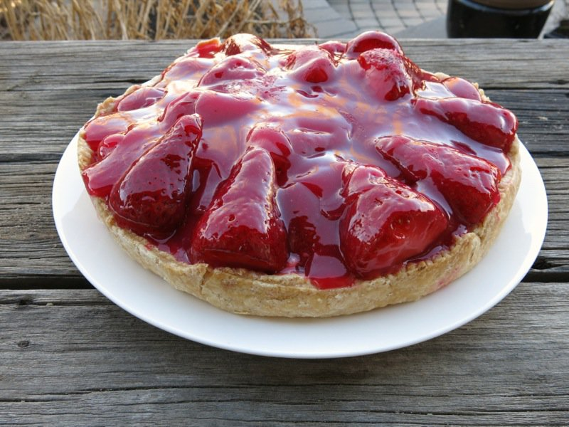 Dueling Daughters: Grandma Maude's Fresh Strawberry Pie