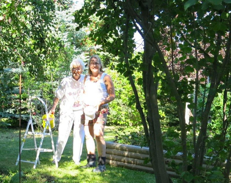 30 Margaret and Helen Mckinney Berry Picking