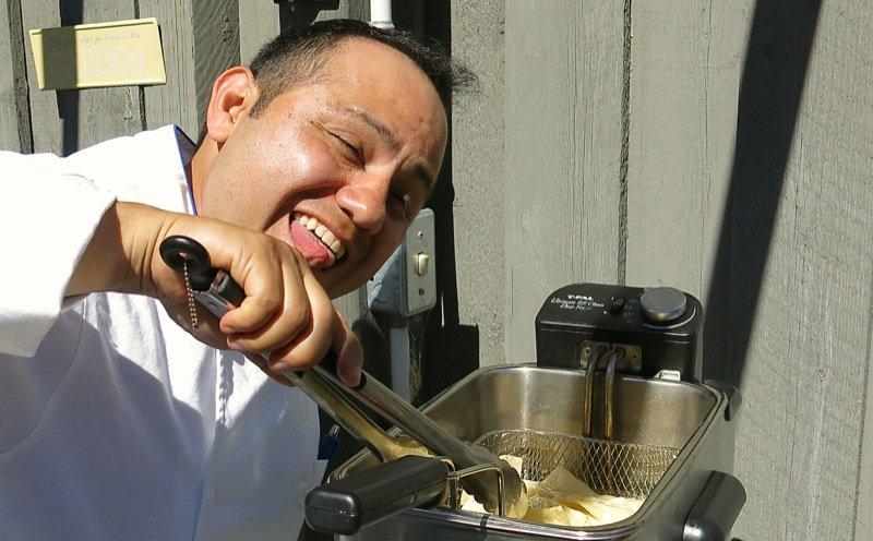 33 Totopos Chef Hugo Raya