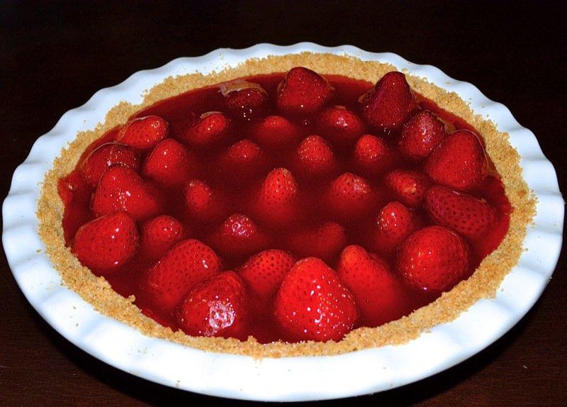 Dueling Daughters: Grandma Maude's Fresh Strawberry Pie