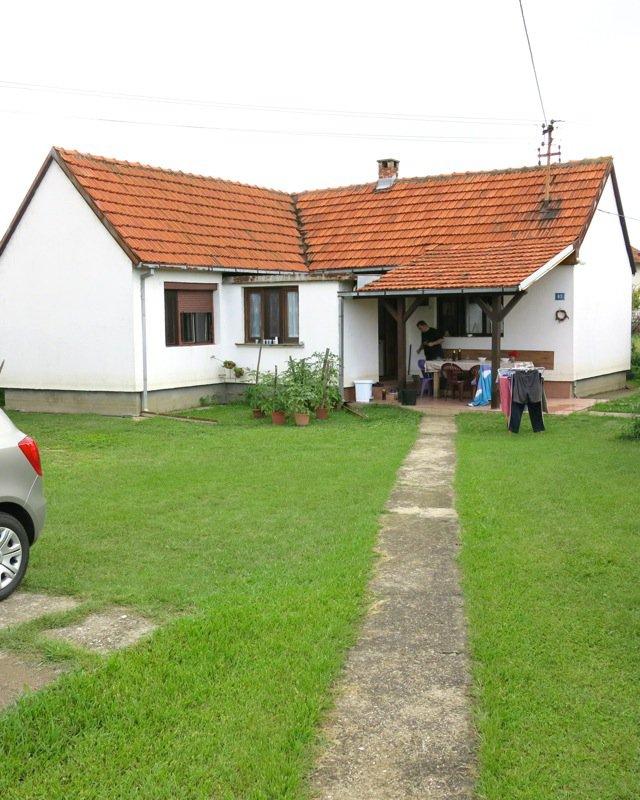 petar's house: it's a very very very fine house