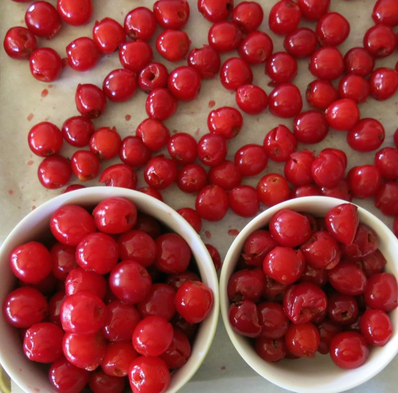 8 Pitted Sour Cherries