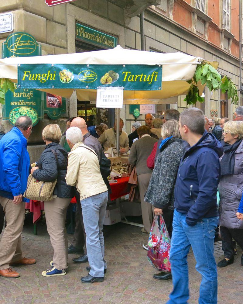 12b Alba Truffle Festival 2014