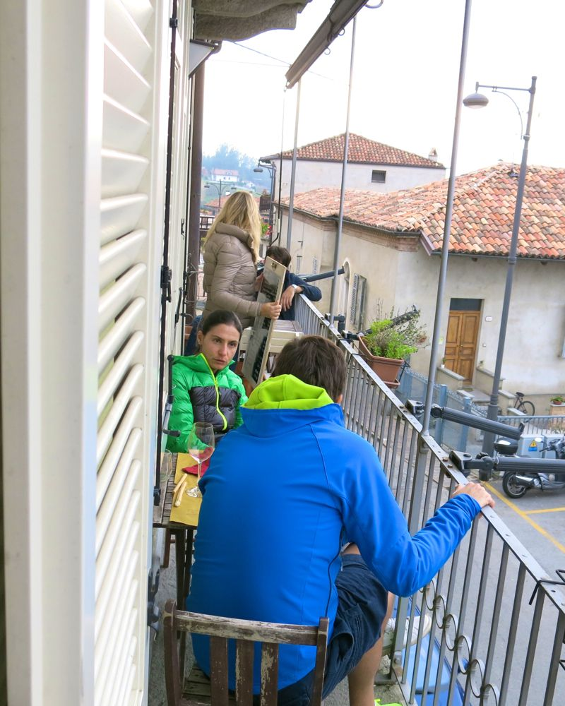 23 More e Macine in La Morra Italy