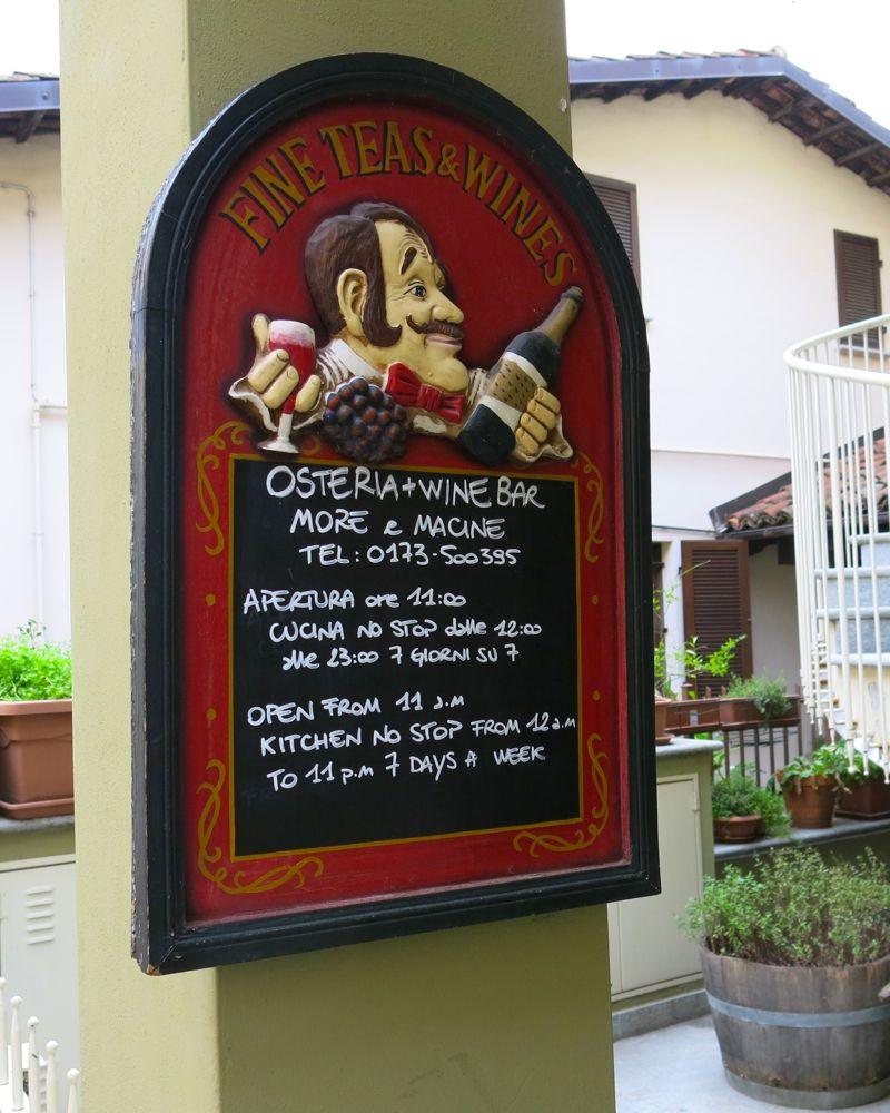 4 b More e Macine in La Morra Italy