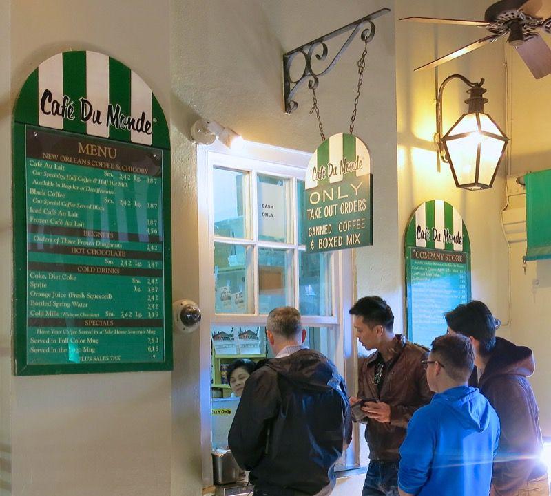 13 Cafe du Monde New Orleans