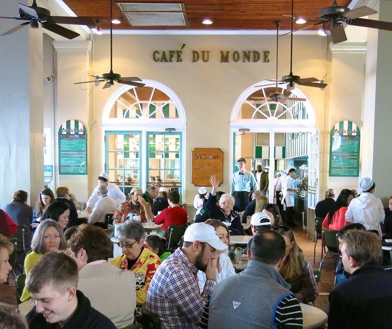 17 Cafe du Monde New Orleans