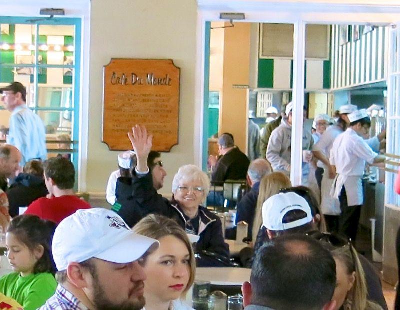 18 Cafe du Monde New Orleans