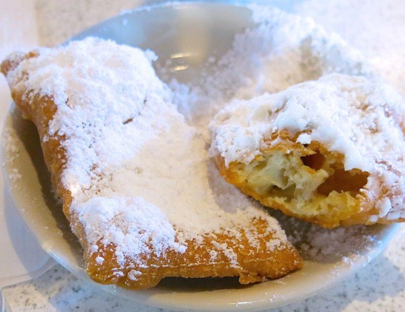 25 Cafe du Monde New Orleans