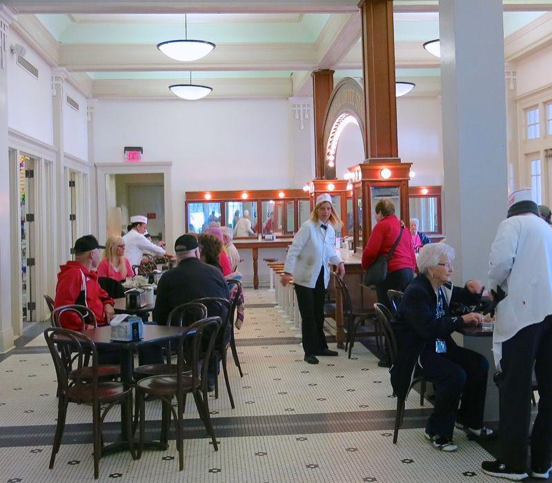 2a New Orleans Central Park Cafe