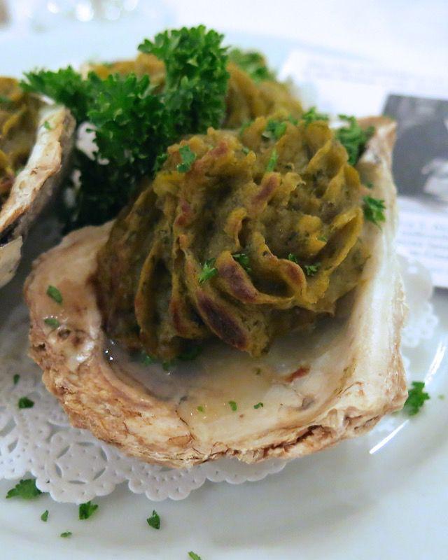 34 Oysters Rockefeller Antoines