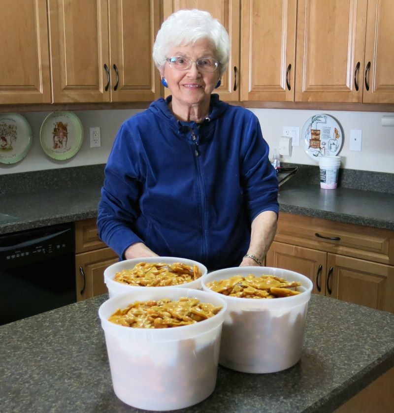 16 Homemade Peanut Brittle