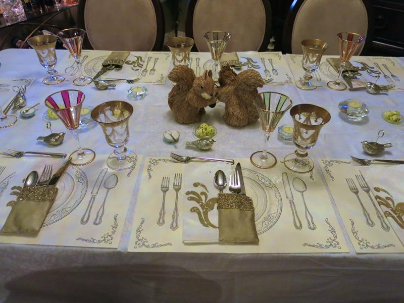 11 Friends for Dinner