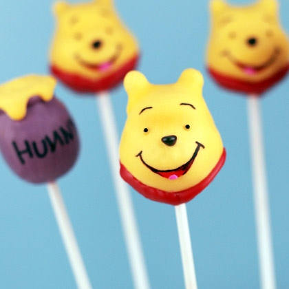 winnie-the-pooh-lollipop-photo-420x420-bakerella-00_IMG_8587