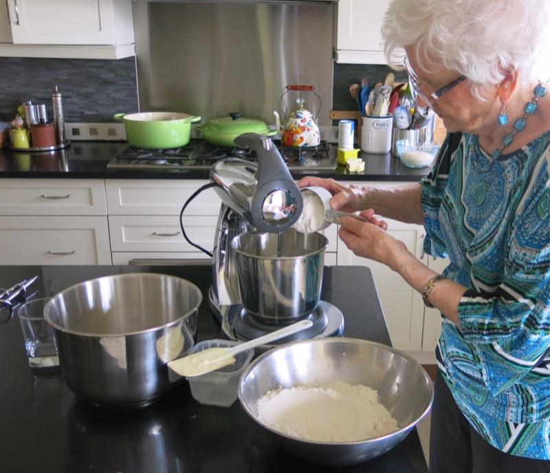12 Helen McKinney Prairie Dinner Buns
