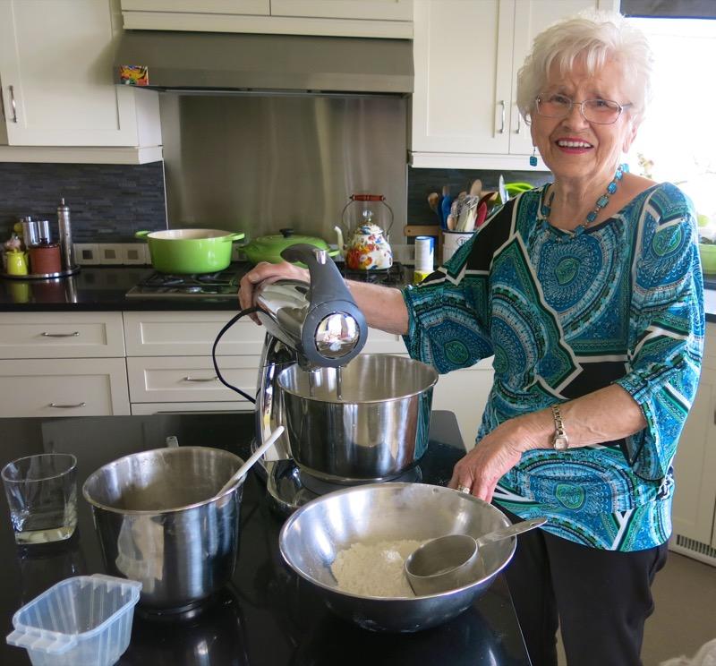13b Helen McKinney Prairie Dinner Buns