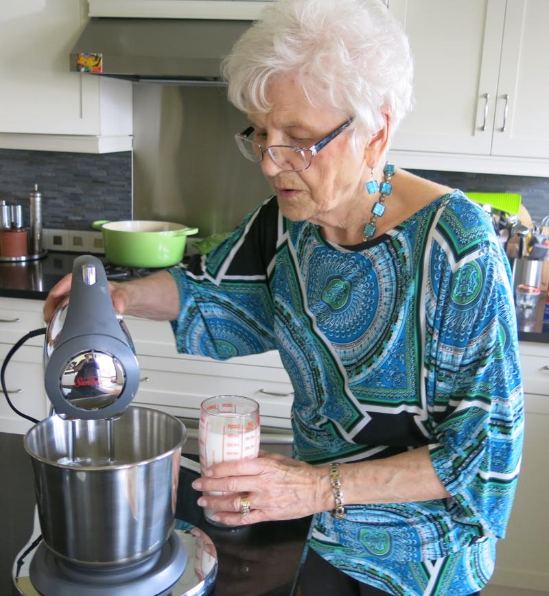 9 Helen McKinney Prairie Dinner Buns