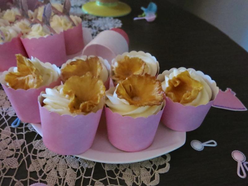 23 Hummingbird Cupcake