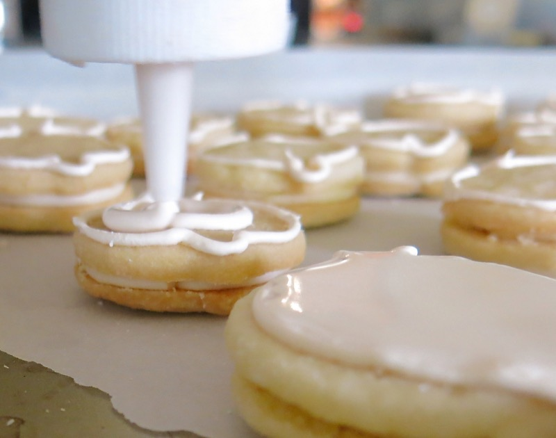 15 Flooding Babyface Sandwich Cookies