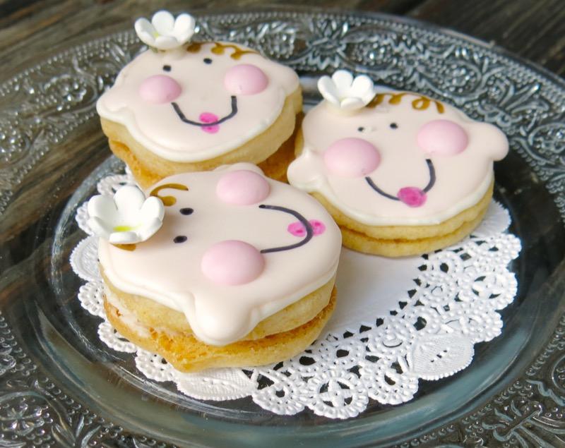 4 Babyface Sandwich Cookies