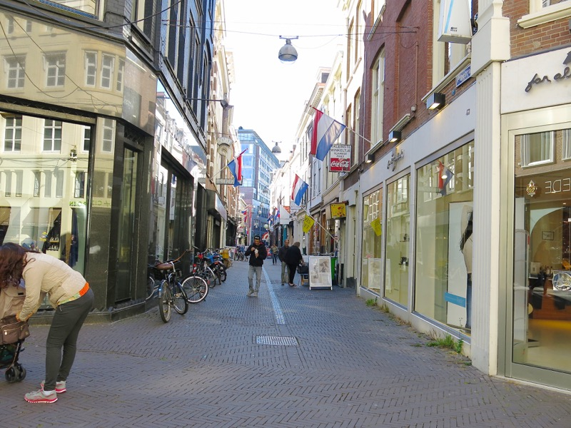 8a-the-hague-pedestrian-street