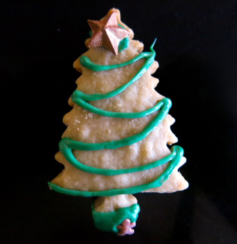18a-decorating-butter-cookie-christmas-trees-2016