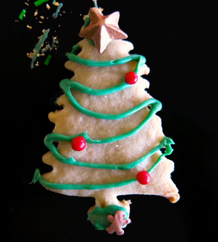 18b-decorating-butter-cookie-christmas-trees-2016
