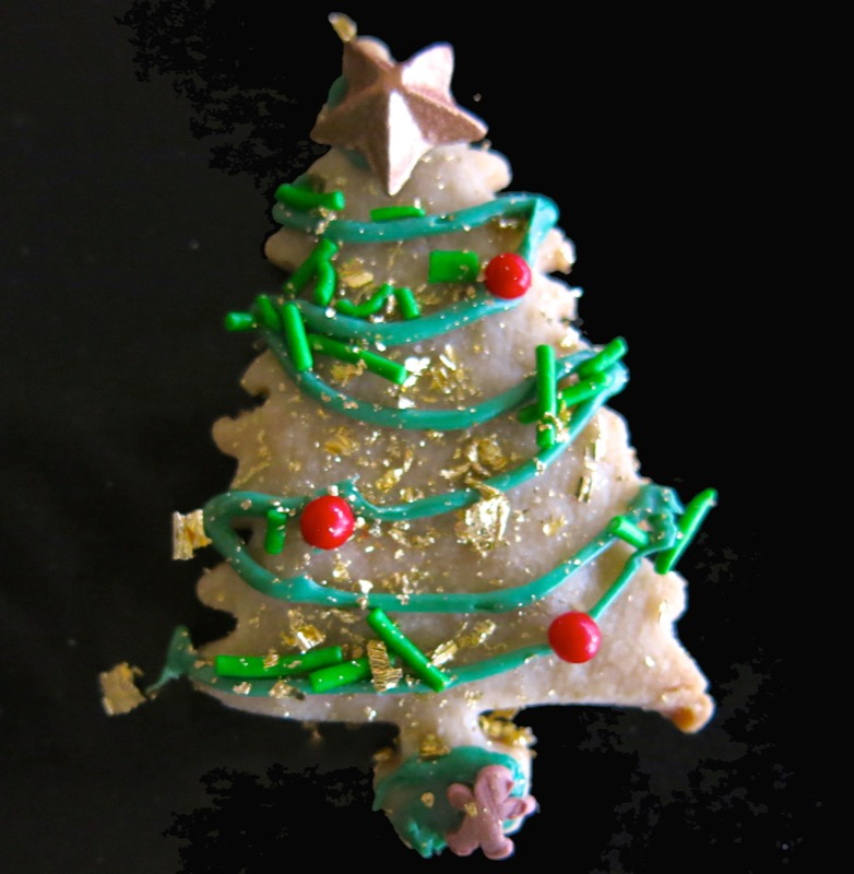 20b-decorating-butter-cookie-christmas-trees-2016