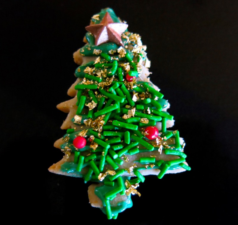 22b-decorating-butter-cookie-christmas-trees-2016