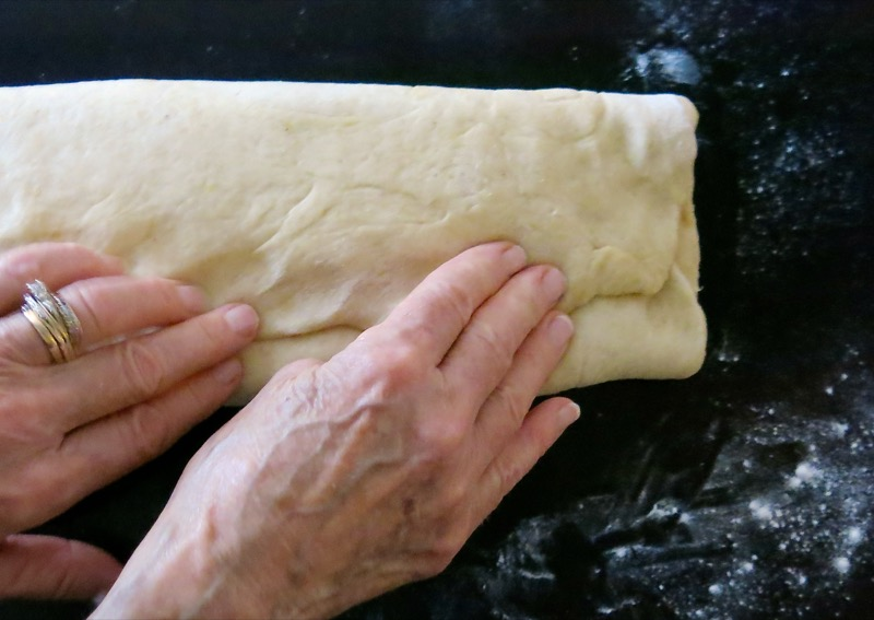 27-rolling-fruit-into-stollen-dough