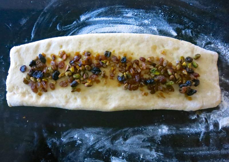 29-rolling-fruit-into-stollen-dough