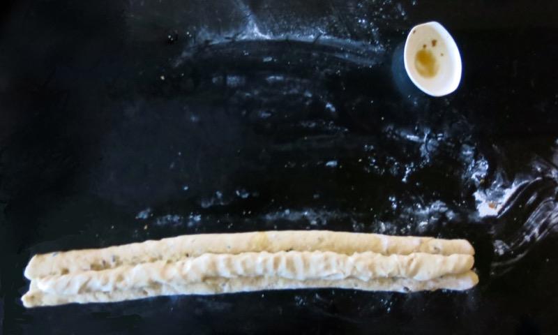 35-rolling-fruit-into-stollen-dough