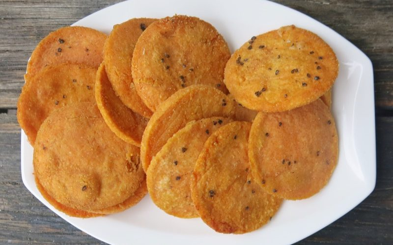 red lentil crackers