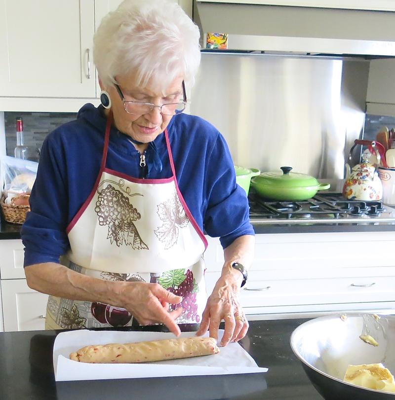 10-almond-cherry-shortbread-cookies-2016